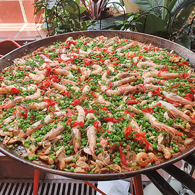 chicken prawn paella party catering at home