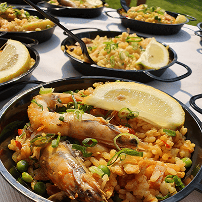 paella station for wedding